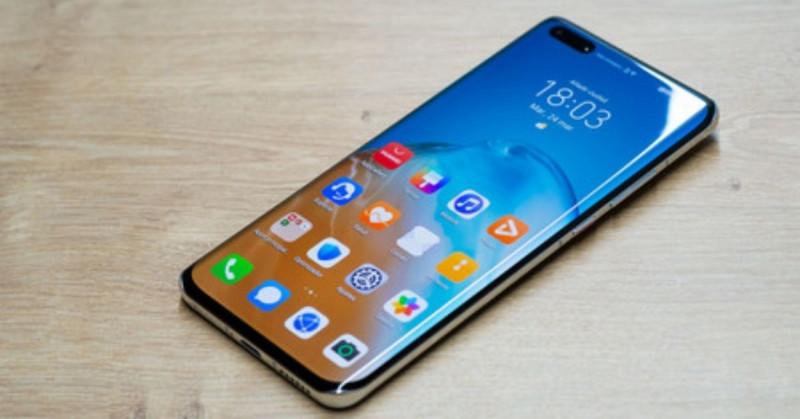 Huawei pierde su liderazgo en smartphones y sale del 'top 5' tras 2 años de veto