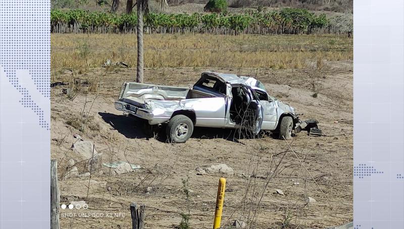 Hombre muere en volcadura en Escuinapa