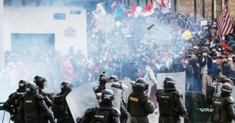 Colombia se baña de sangre de los abusos policiales en protestas por reforma tributaria
