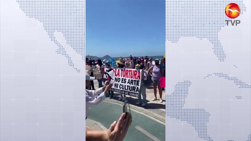 Protestan en contra del maltrato animal en Mazatlán