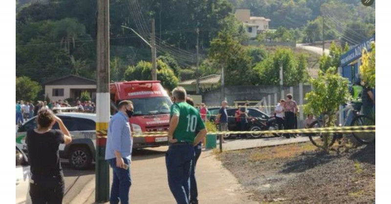 Joven de 18 años entra a guardería, mata a cuchilladas a 5 personas e intenta suicidarse