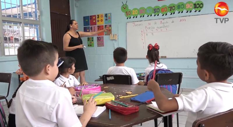 Con semáforo verde alumnos podrían regresar a clases en agosto: Gobernador