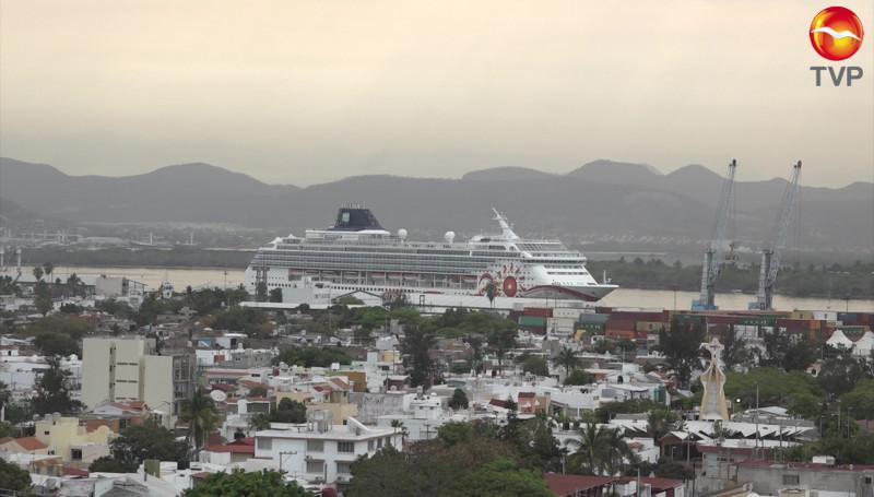 Llega crucero a Mazatlán pero sin pasajeros