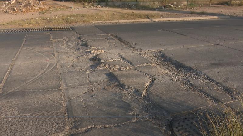 Piden reparación de bulevar Álamo en Los Mochis