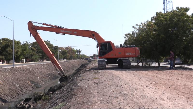 Inicia limpieza del dren Juárez
