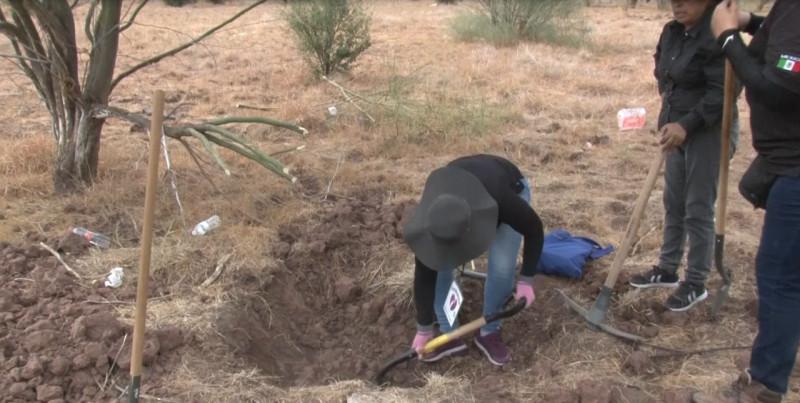 "Rastredoras solicitan ayuda al ""Canelo"" Álvarez para continuar con las búsqudas de desaparecidos"