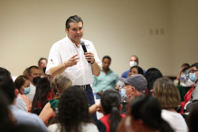 Son lo mejor que tenemos, dice Mario Zamora a enfermeras y médicos