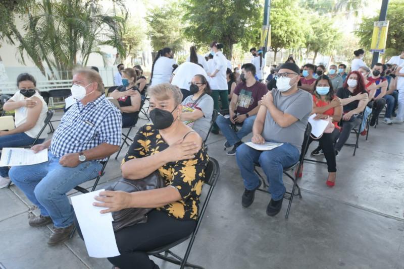 Logra Sinaloa vacunar a todos su personal docente