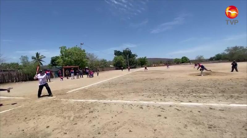 Irrumpe en juego AMLO, dando un hit en La Cofradía