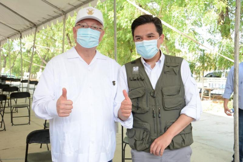 Pondera Director General del IMSS participación de brigadistas de la UAS en vacunación