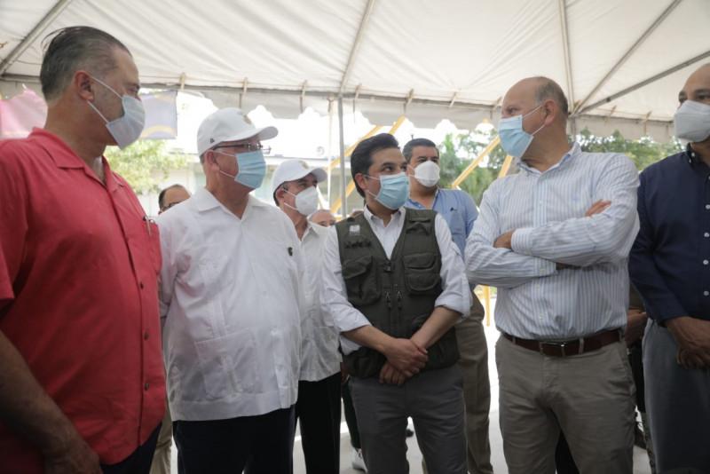 Pide Director General del IMSS no desconfiar de las vacunas Covid
