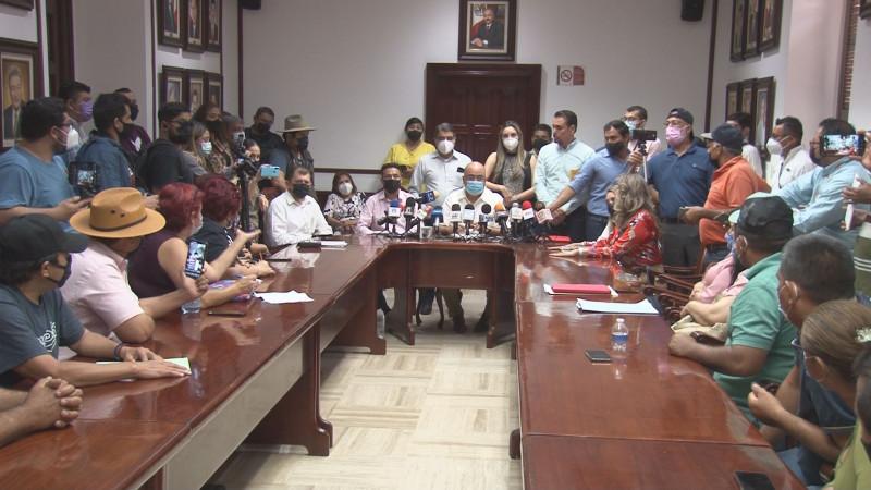"""Pagarán jubilaciones sin """"quites"""" a policías de Culiacán anuncia alcalde Miguel Ángel Cervantes"""