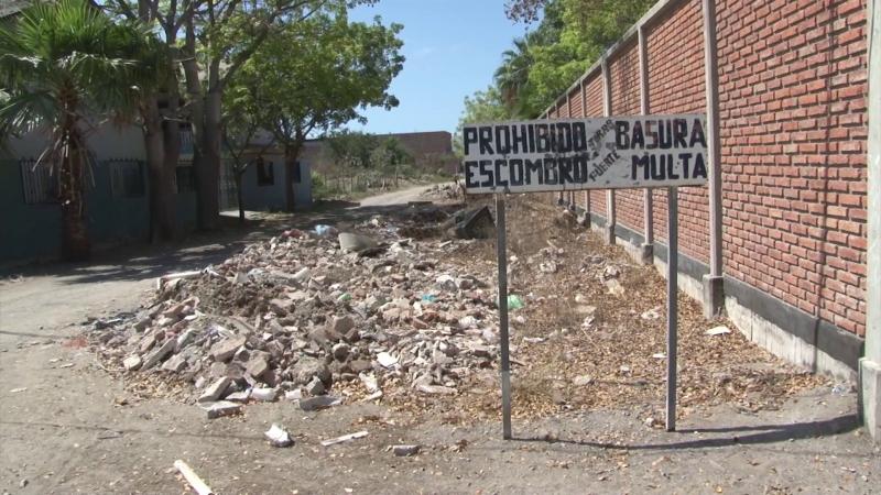 Basurero clandestino en colonia Pueblo Nuevo