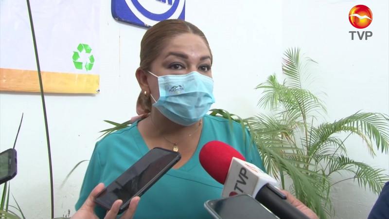 Critica Paloma Meneses rezago en vacunación a personal de salud