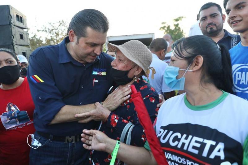Mario Zamora gobernador, exclaman en Mazatlán