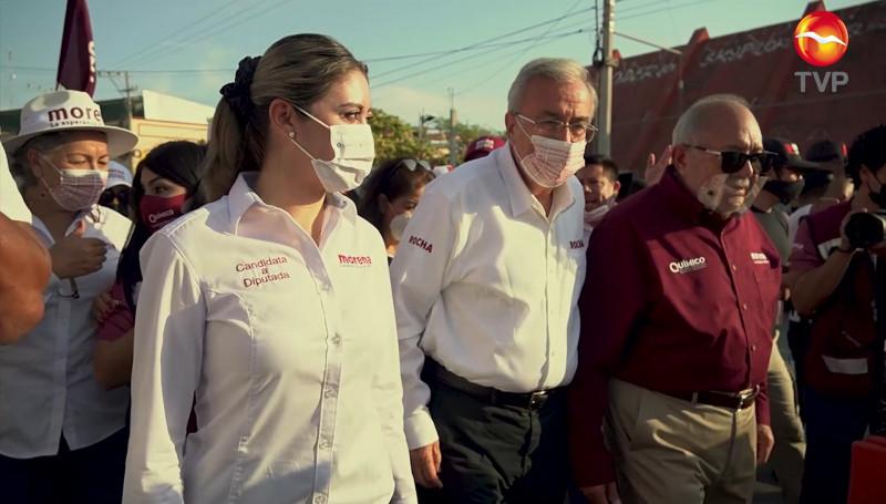 Rubén Rocha Moya recorre Tianguis de la Colonia Juárez en Mazatlán