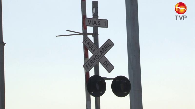 Prueban señalización en cruce ferroviario
