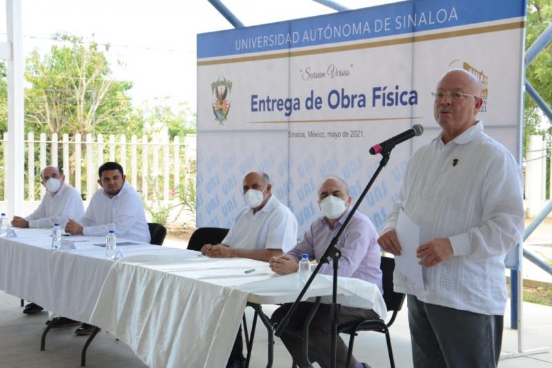 Entrega Rector de la UAS instalaciones de la Prepa en Badiraguato