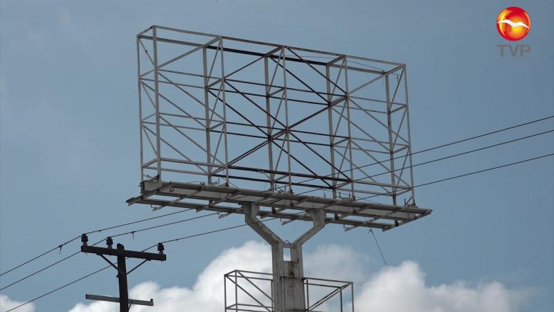 Revisarán con 'lupa' anuncios en Mazatlán ante época de huracanes