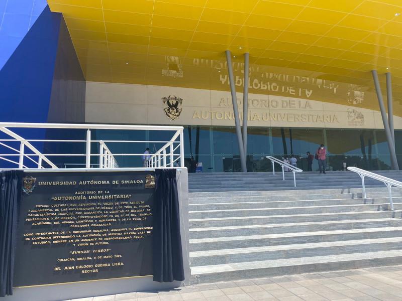 Inaugura Guerra Liera teatro de la Autonomía Universitaria
