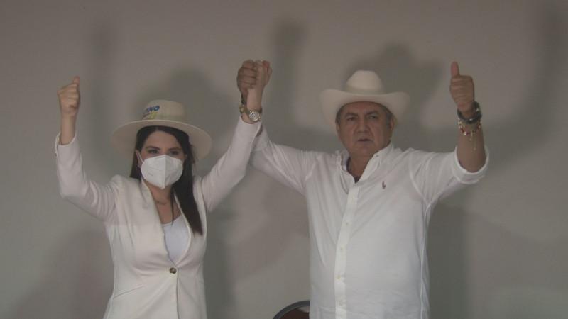 Se suma Siria Quiñónez, al proyecto político de Faustino Hernández