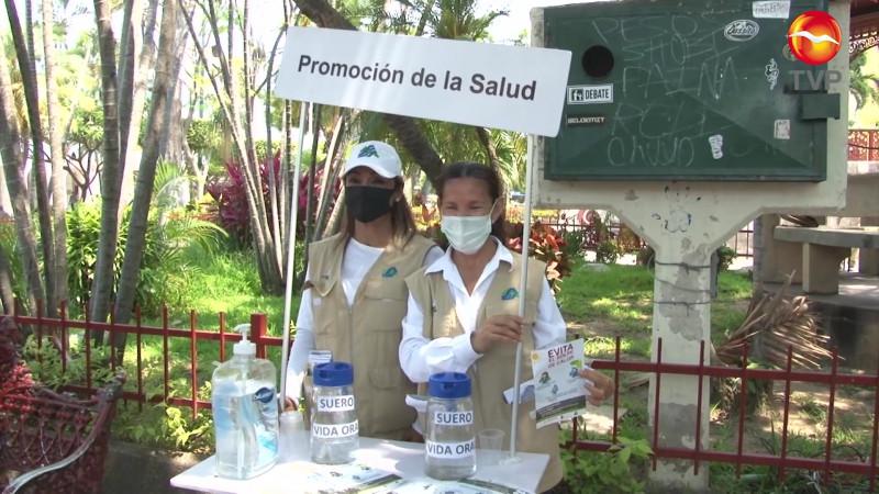 Para el calor, módulos hidratantes en Mazatlán