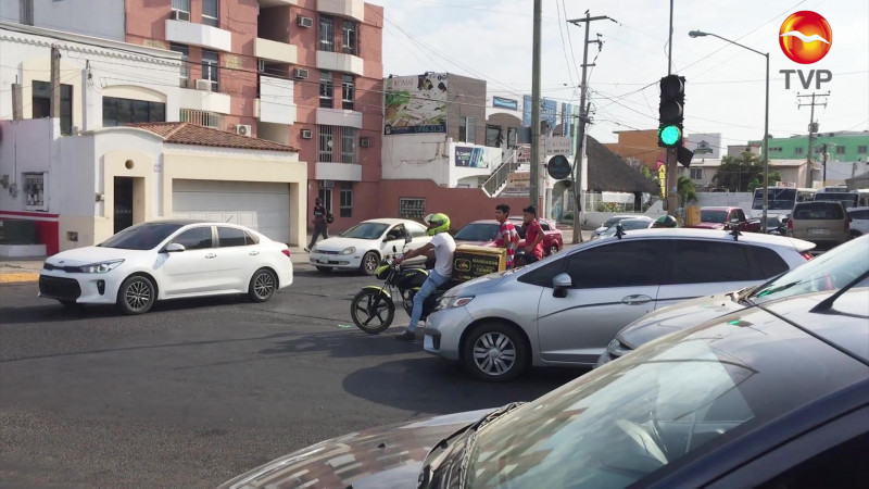 Se paralizan semáforos y ocasionan caos vial en Mazatlán