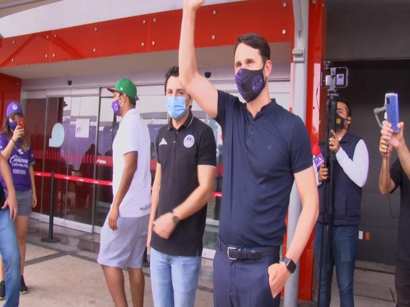 Se acabo la espera, el nuevo director técnico de Mazatlan FC arribó al Puerto