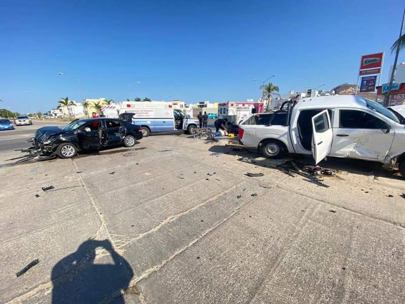 Resultan cinco lesionados en accidente en Real del Valle