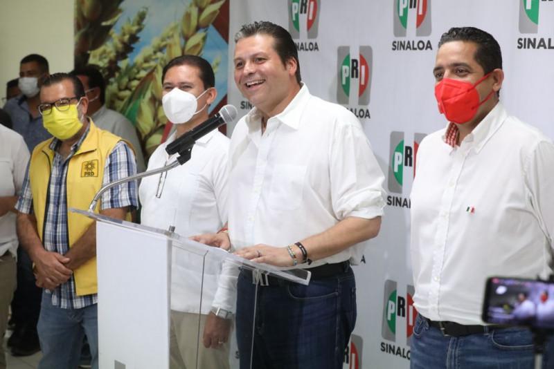 Mario Zamora se declara ganador según sus encuestas de salida