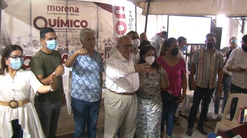 """Festeja ventaja """"Químico"""" Benítez"""