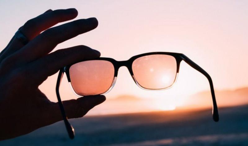 Necesario proteger los ojos  con lentes UV