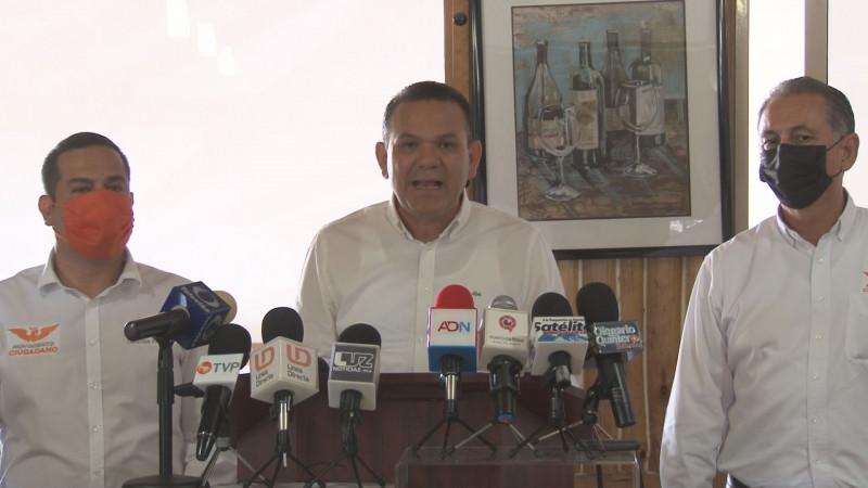 Sergio Torres, felicita a Rocha Moya por su tendencia mayoritaria