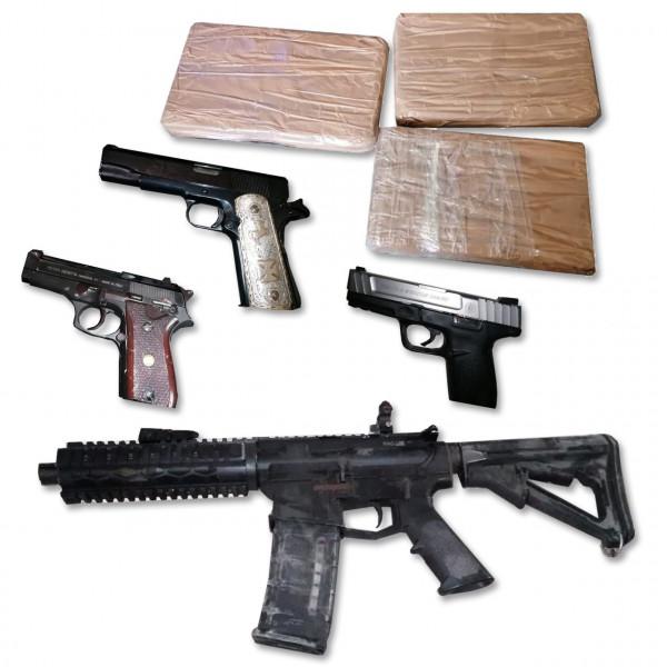 Aseguran armas y resguardan inmueble
