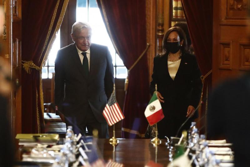 La vicepresidenta de EEUU se reúne en Palacio Nacional con AMLO para hablar de migración
