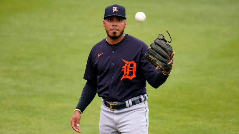 Llaman Tigres de Detroit al 3ra base Isaac Paredes