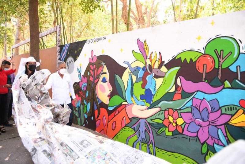 Develan muro alusivo al Día del Medio Ambiente