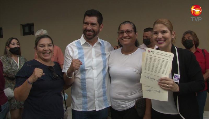 """""""Chayito"""" Osuna recibe constancia como diputada local electa"""