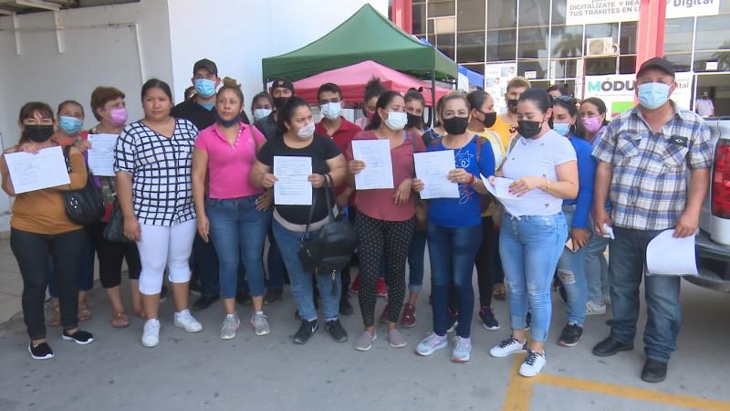 Ex-empleados de maquiladora de Ahome exigen pago justo de utilidades