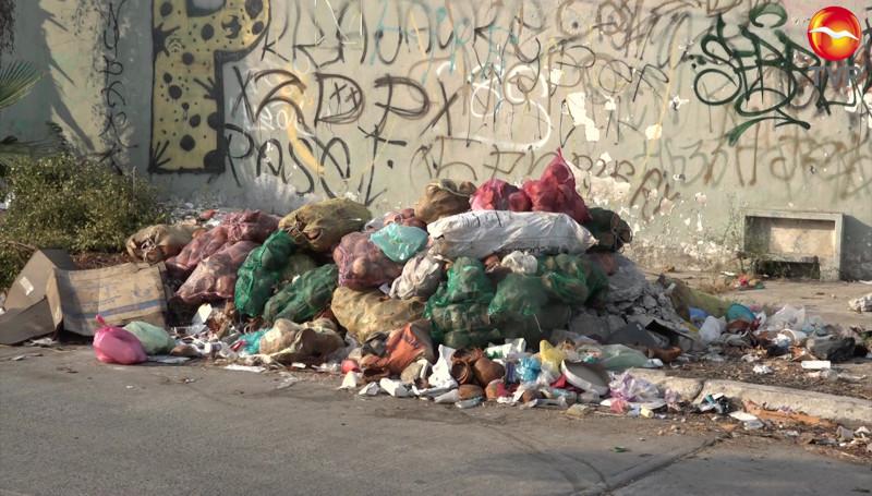 Siguen tirando basura en el Infonavit Playas