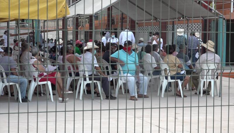 Mañana comienza vacunación a adultos de 40 años y más en Rosario