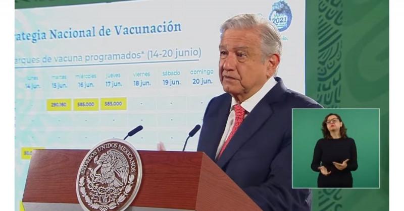 López Obrador evita señalar responsables por tragedia del metro y menciona a Calderón
