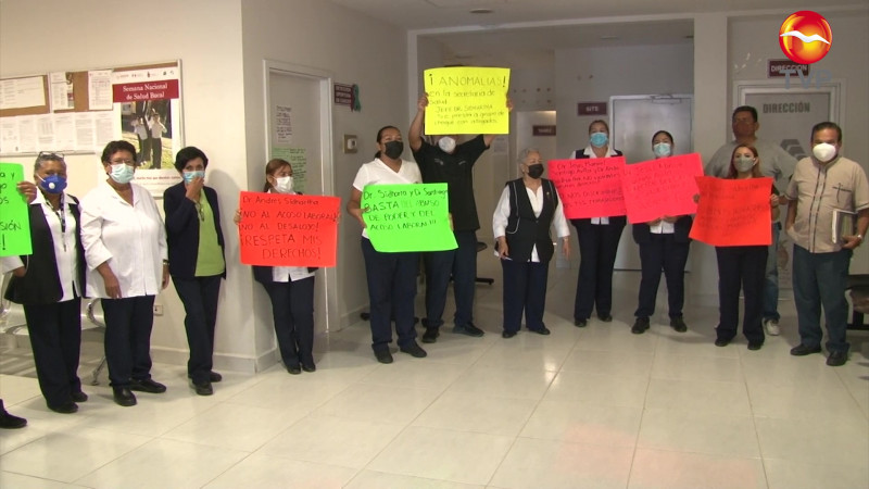 Paran labores y se manifiestan en Centro de Salud de Mazatlán