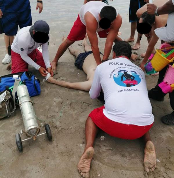 Culiacanense muere ahogado en playas de Mazatlán