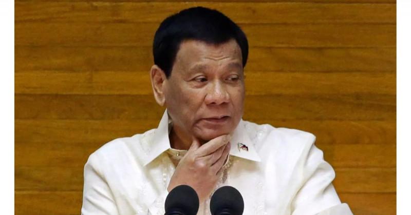 """""""Vacúnense o haré que los encarcelen"""", advierte el presidente de Filipinas"""