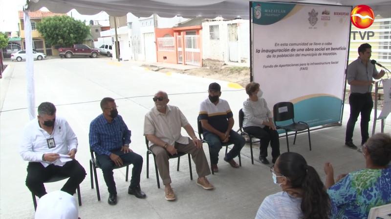 Entregan calles pavimentadas por más de 4 mdp en Mazatlán
