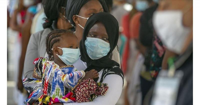 África sufre su peor ola de Covid-19 por las variantes y solo el 1.12% de vacunados
