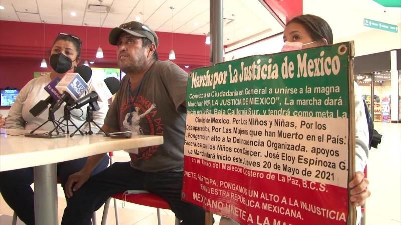 Camina desde la Paz hacia CDMX en busca de justicia