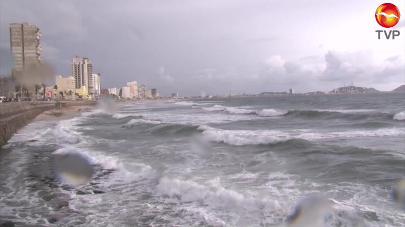 Restringida la navegación en Mazatlán ante 'Enrique'