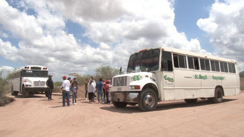 Se manifiestan en Yucuribampo por falta de transporte